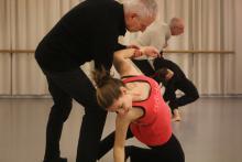 Dans, Vecht, Huil, Bid, Lach, Werk en Bewonder